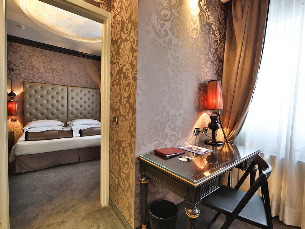 Suite at Hotel Mozart in Milan