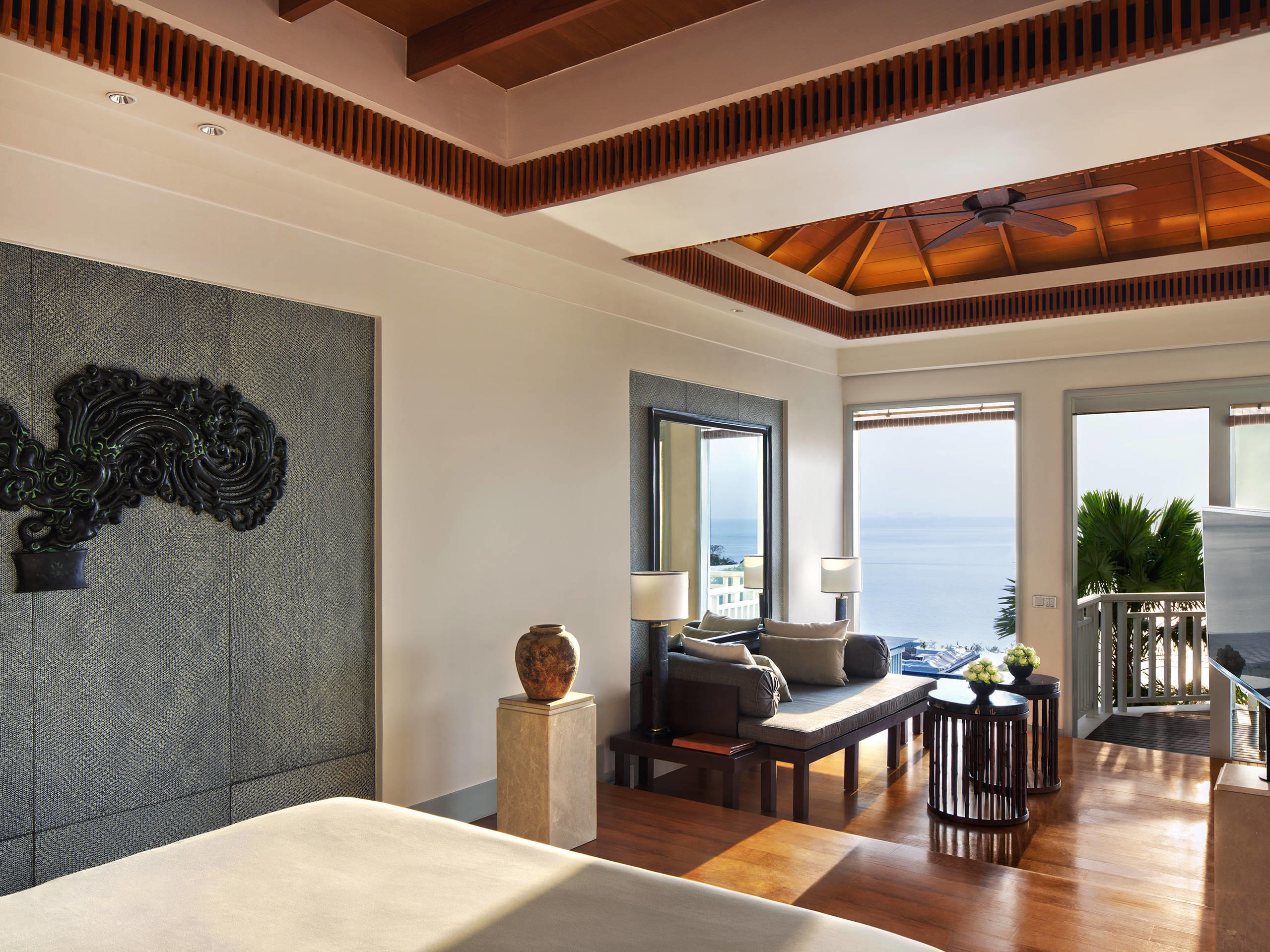 Amatara Wellness Resort - Sea View Suite living area