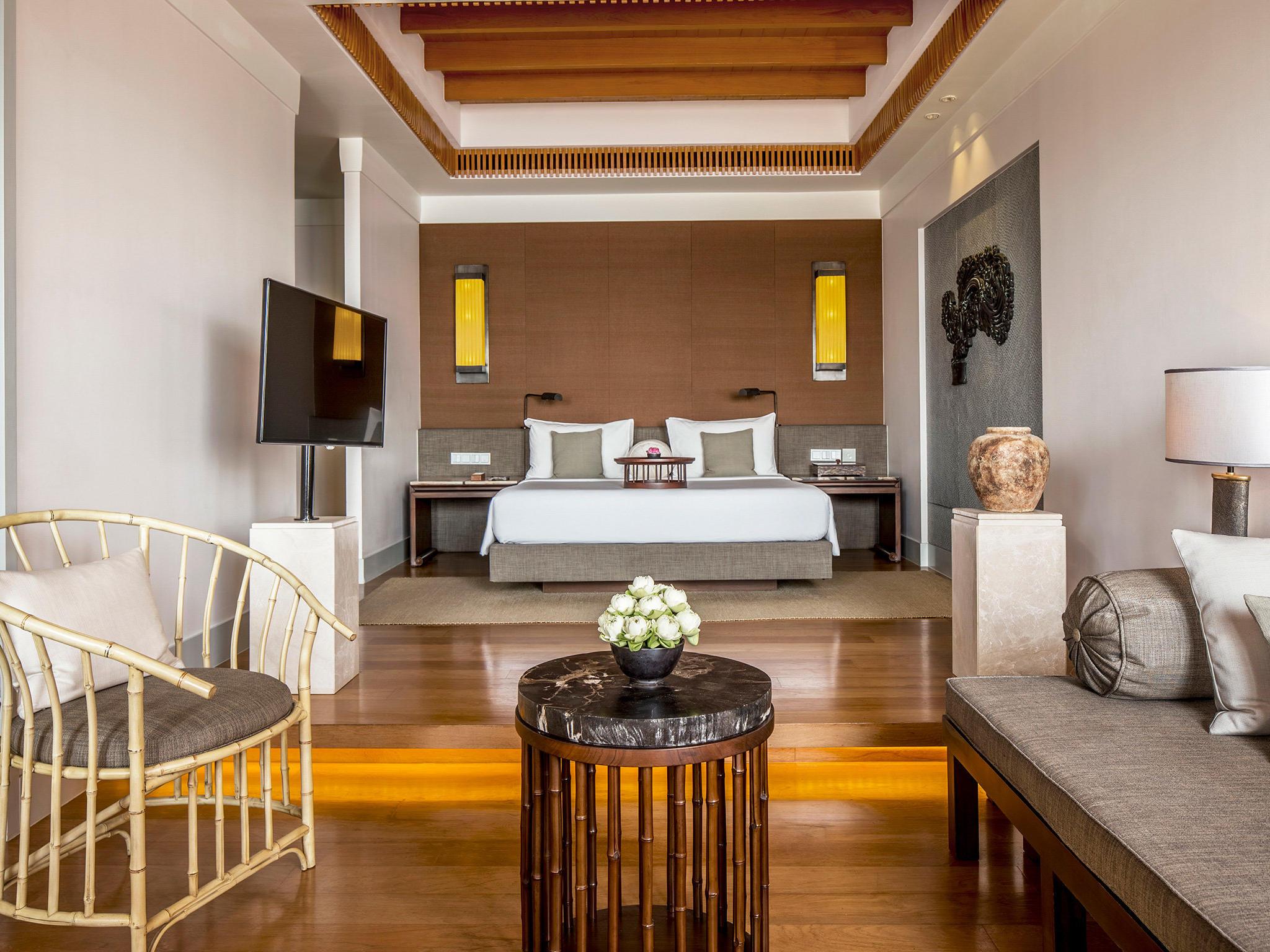 Amatara Wellness Resort - Sea View Suite living area 2