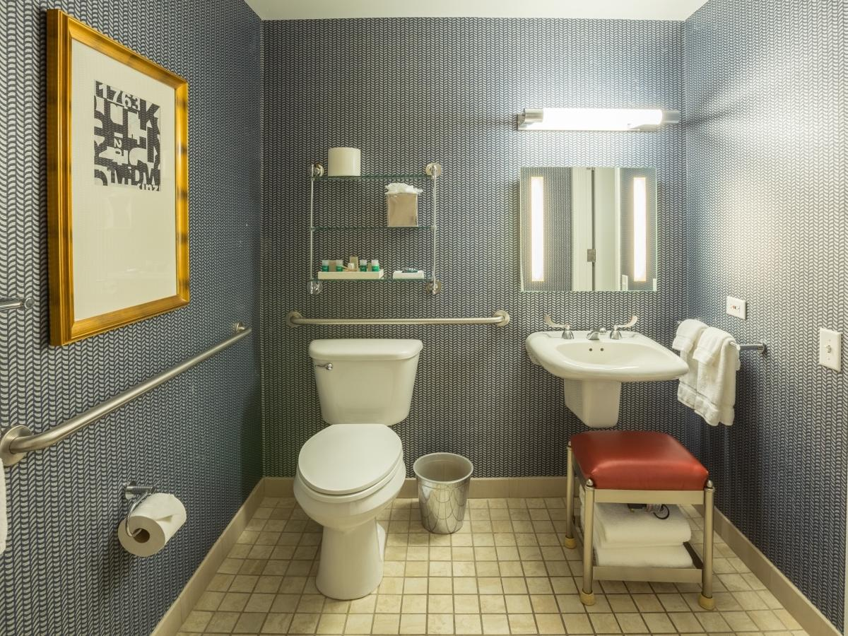 large bathroom that complies to ADA