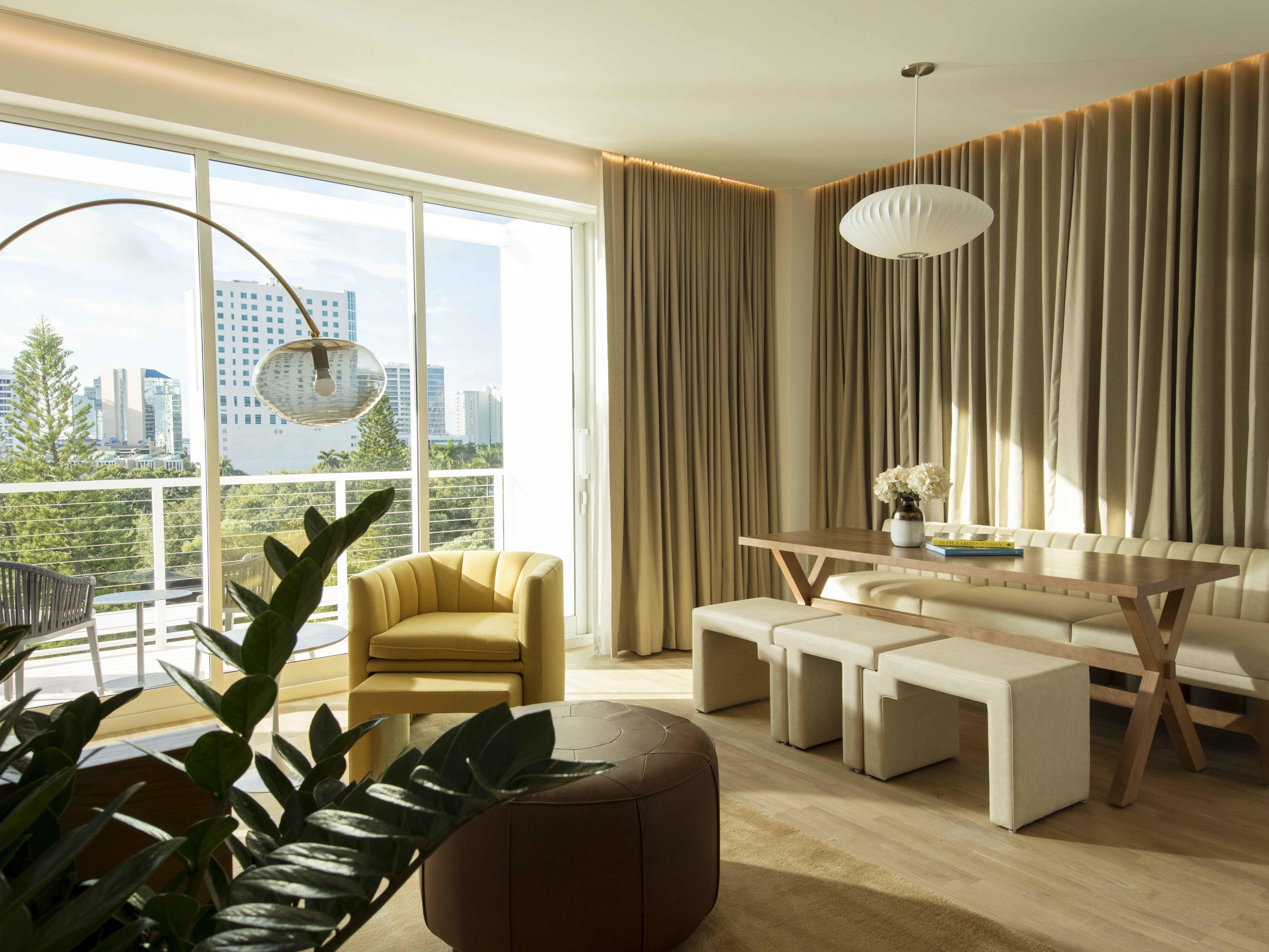 Strange Downtown Sarasota Rooms Suites The Sarasota Modern Theyellowbook Wood Chair Design Ideas Theyellowbookinfo