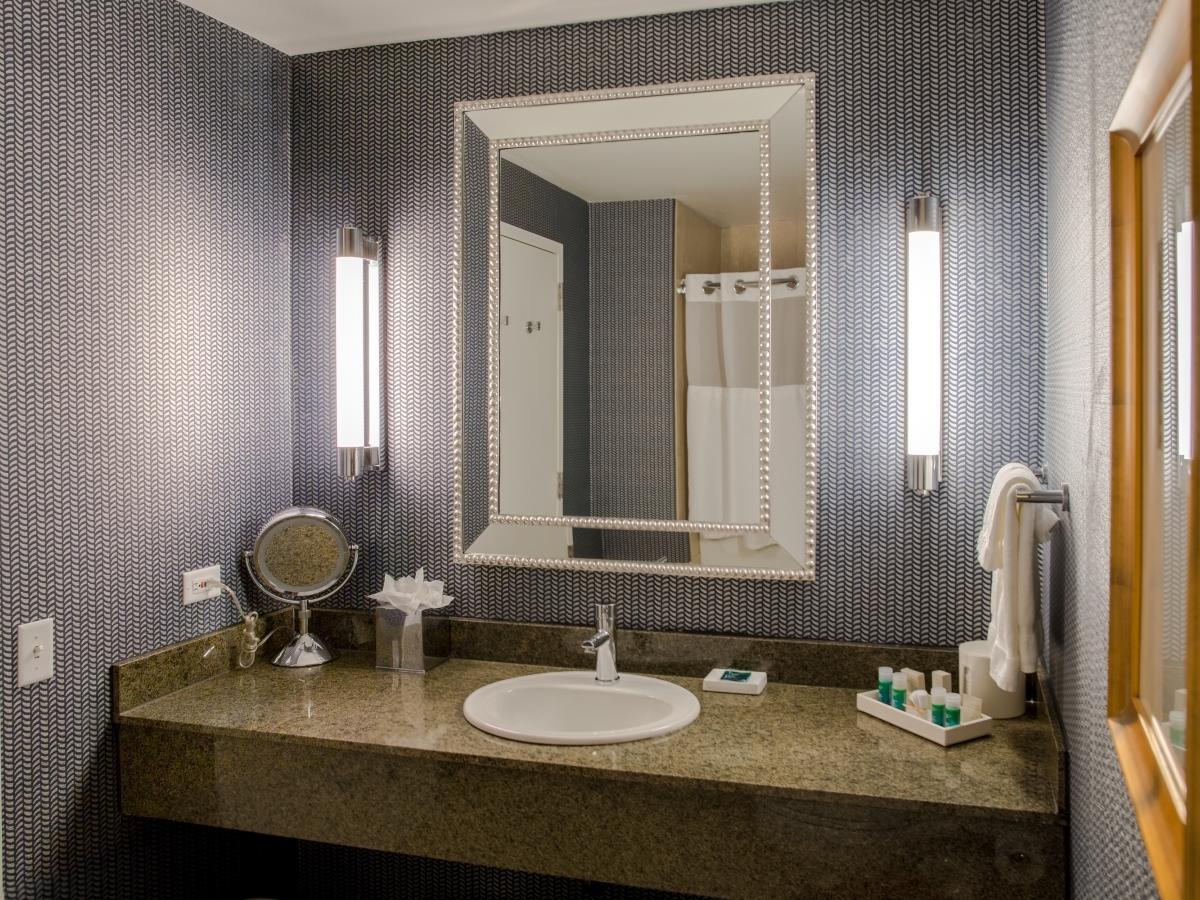 bathroom sink with mirror