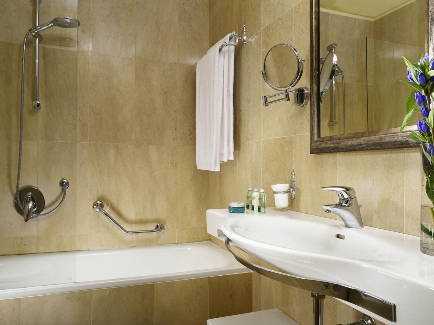 Suite - Bathroom | Maison Venezia