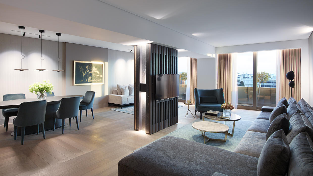 presidential suite at NJV Athens Plaza hotel