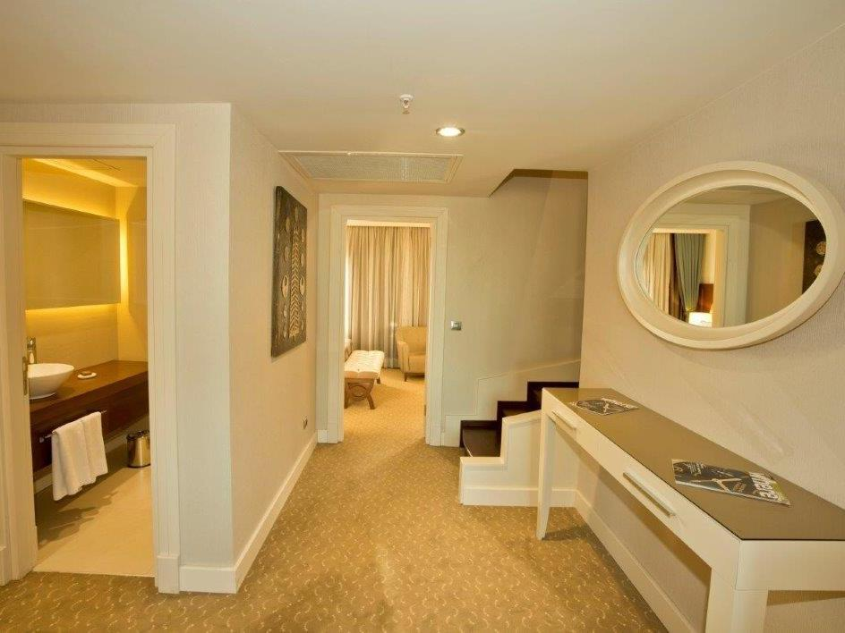 King Suite at Miracle Istanbul Asia Spa & Hotel