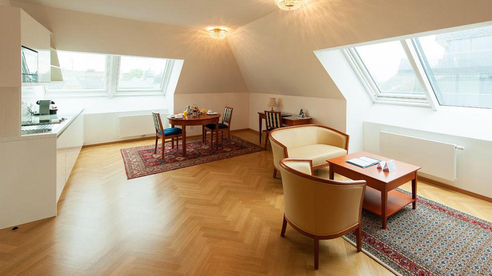 Apartment 604 at Ambassador Vienna Hotel