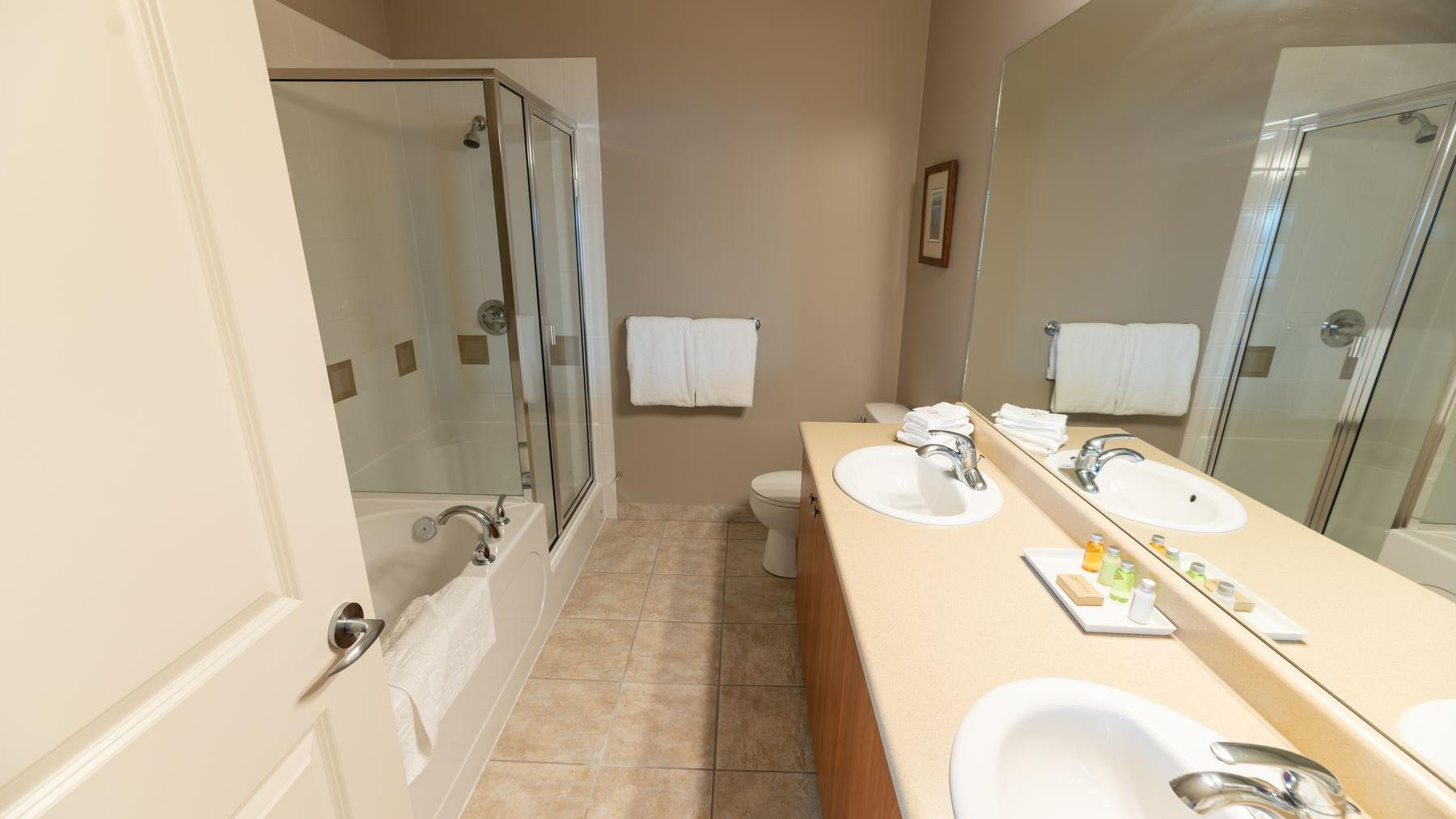 three bedroom suite premium bathrooms