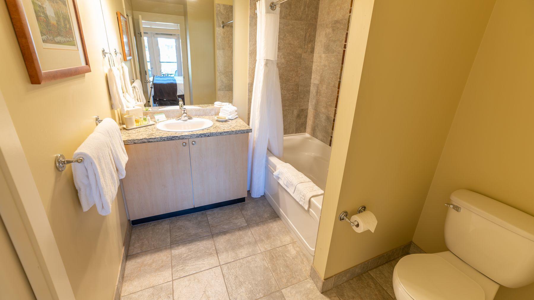 two bedroom suite garden mountain bathrooms