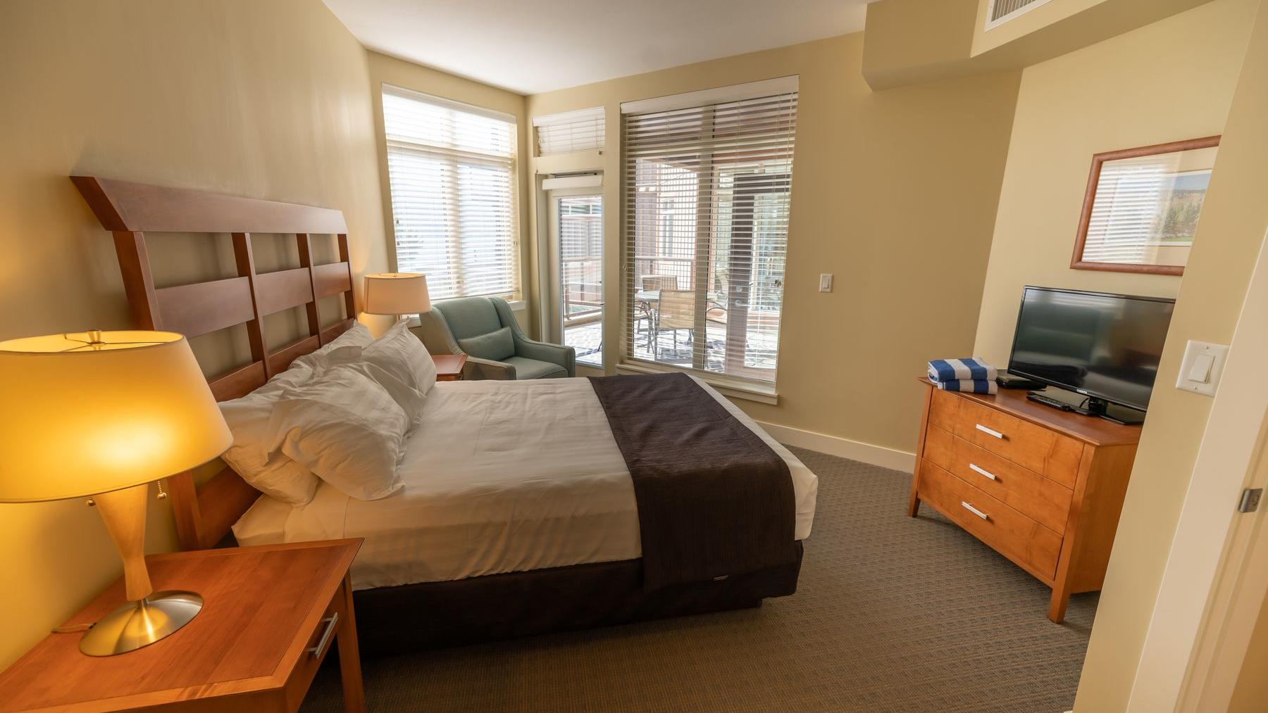 two bedroom suite premium lake bedrooms