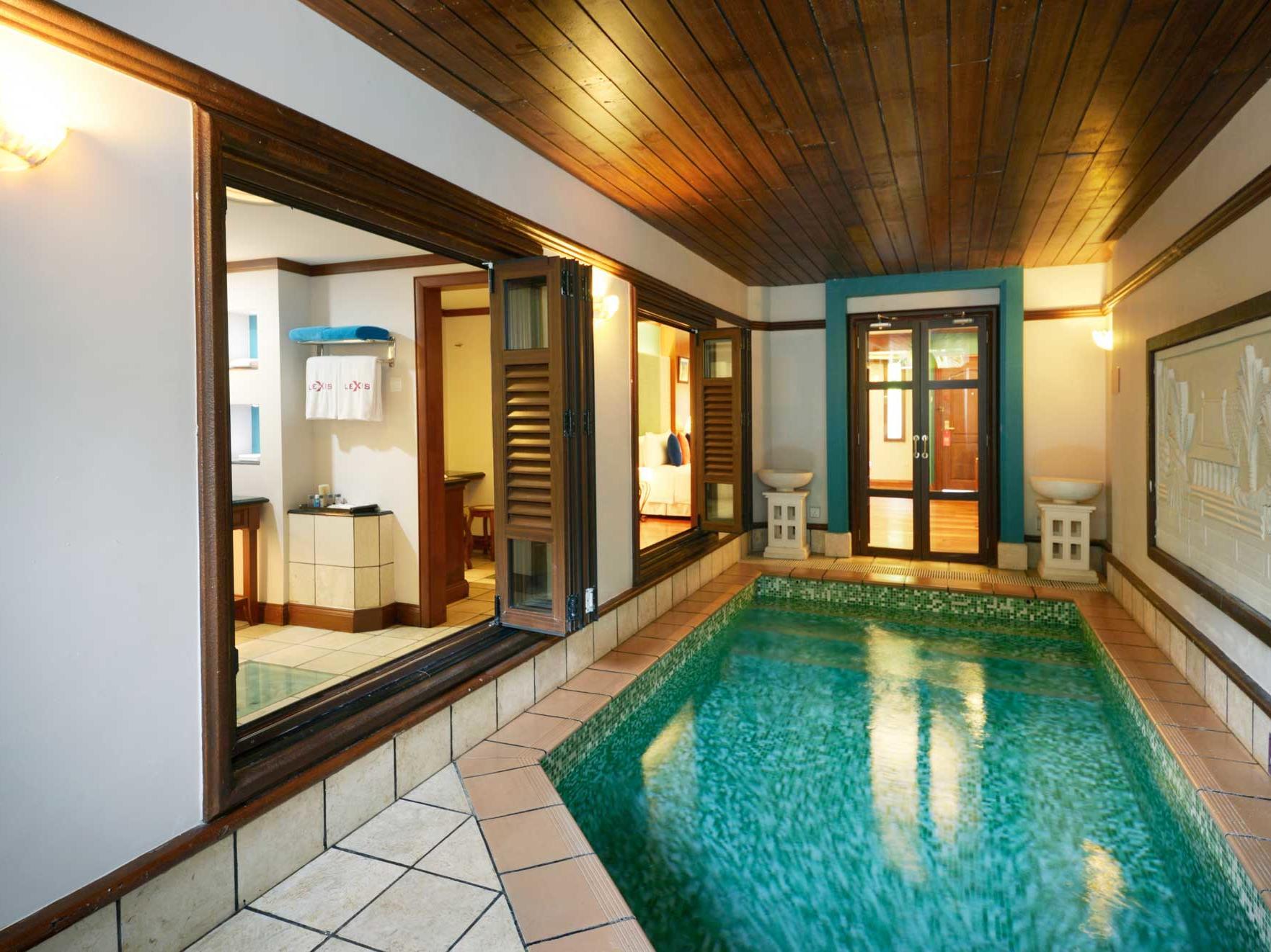 Garden Pool Villa (Lower Unit)   Beachfront Hotel Port Dickson