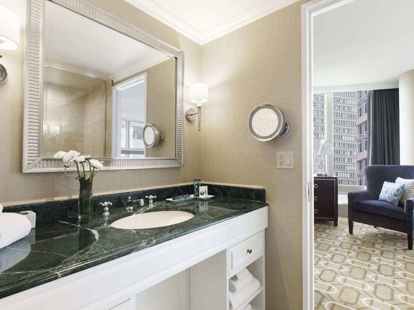 Bathroom vanity with single sink