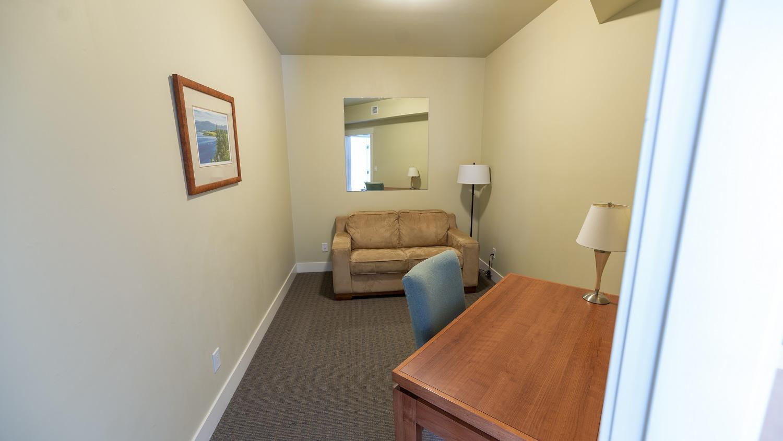 Two Bedroom suite den premium lakeview
