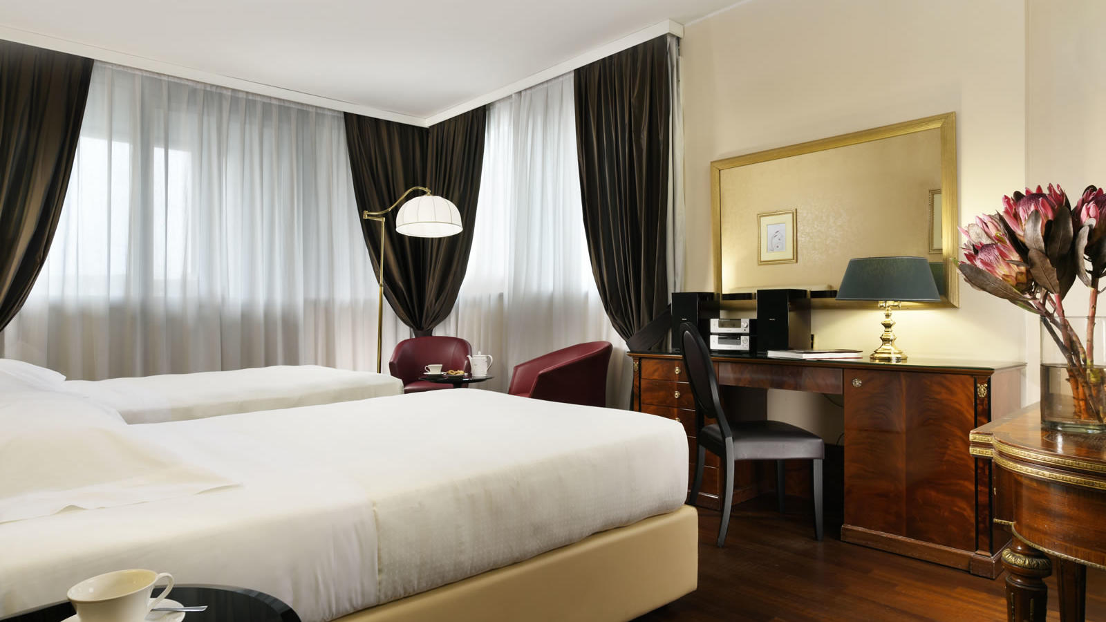 Unahotels scandinavia milano business hotel milan for Executive milano