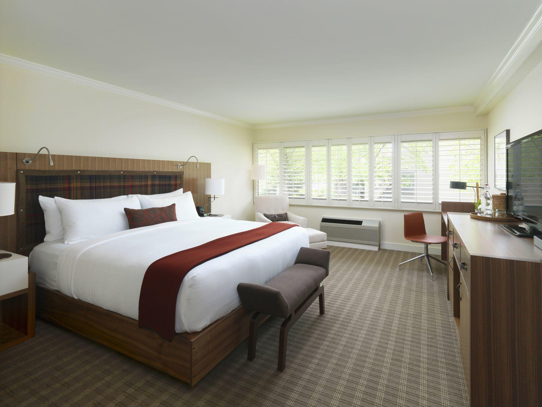 Deluxe hotel room with king bed