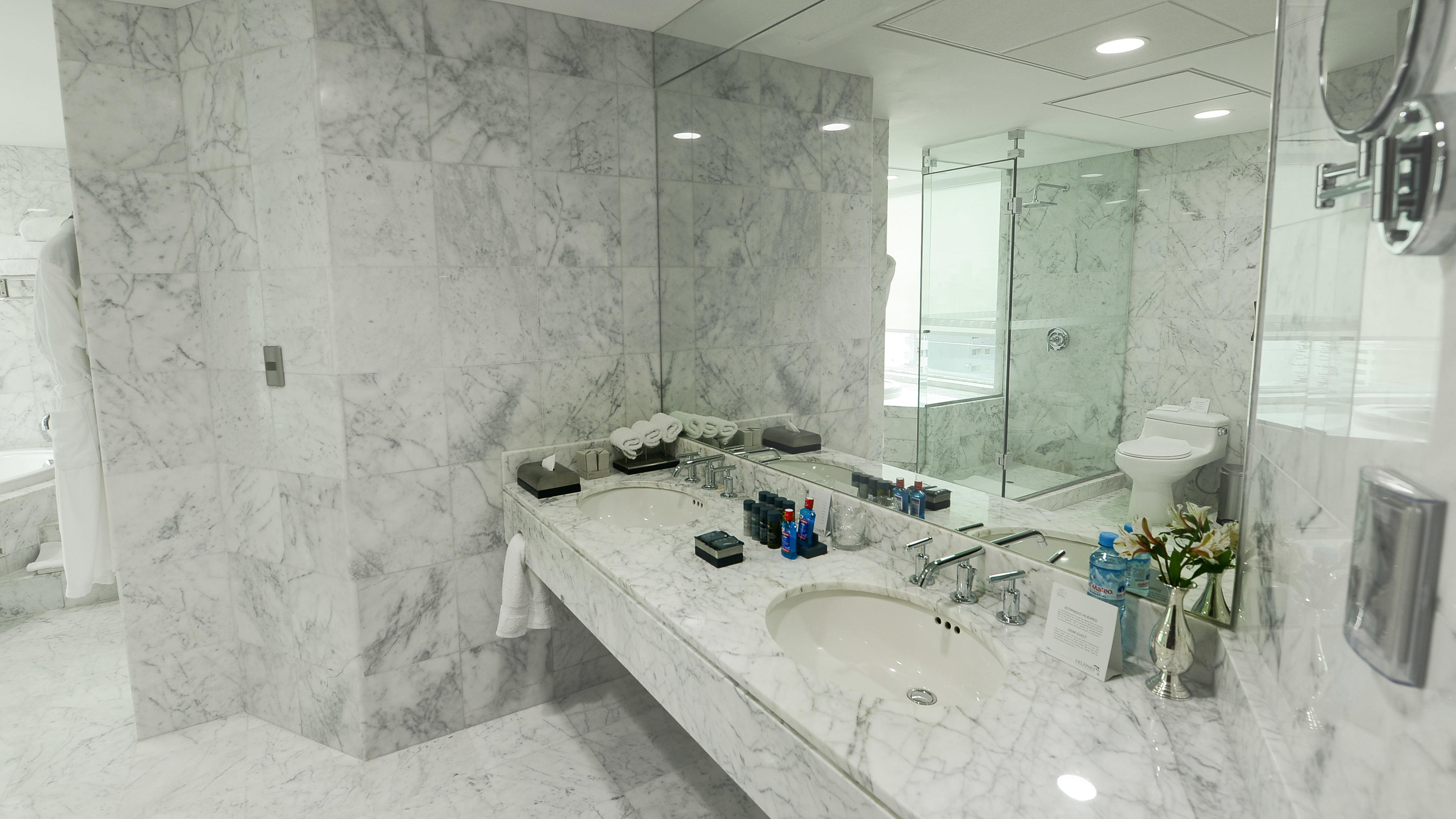 Presidential Suite - marble bathroom