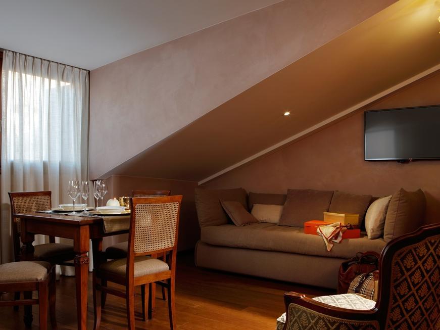 Suite at Hotel Bisanzio in Venice, Italy