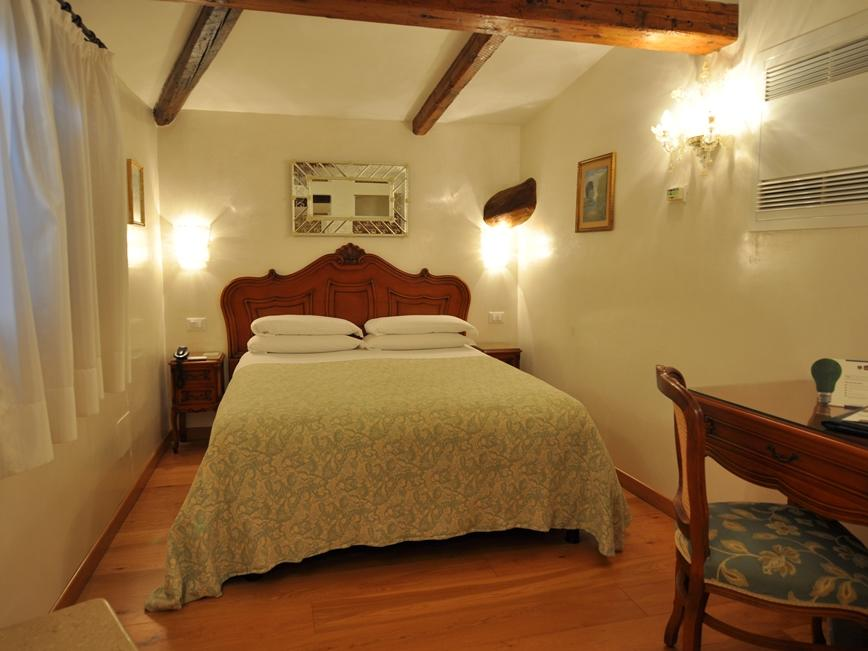 Classic Room at Hotel Bisanzio in Venice, Italy