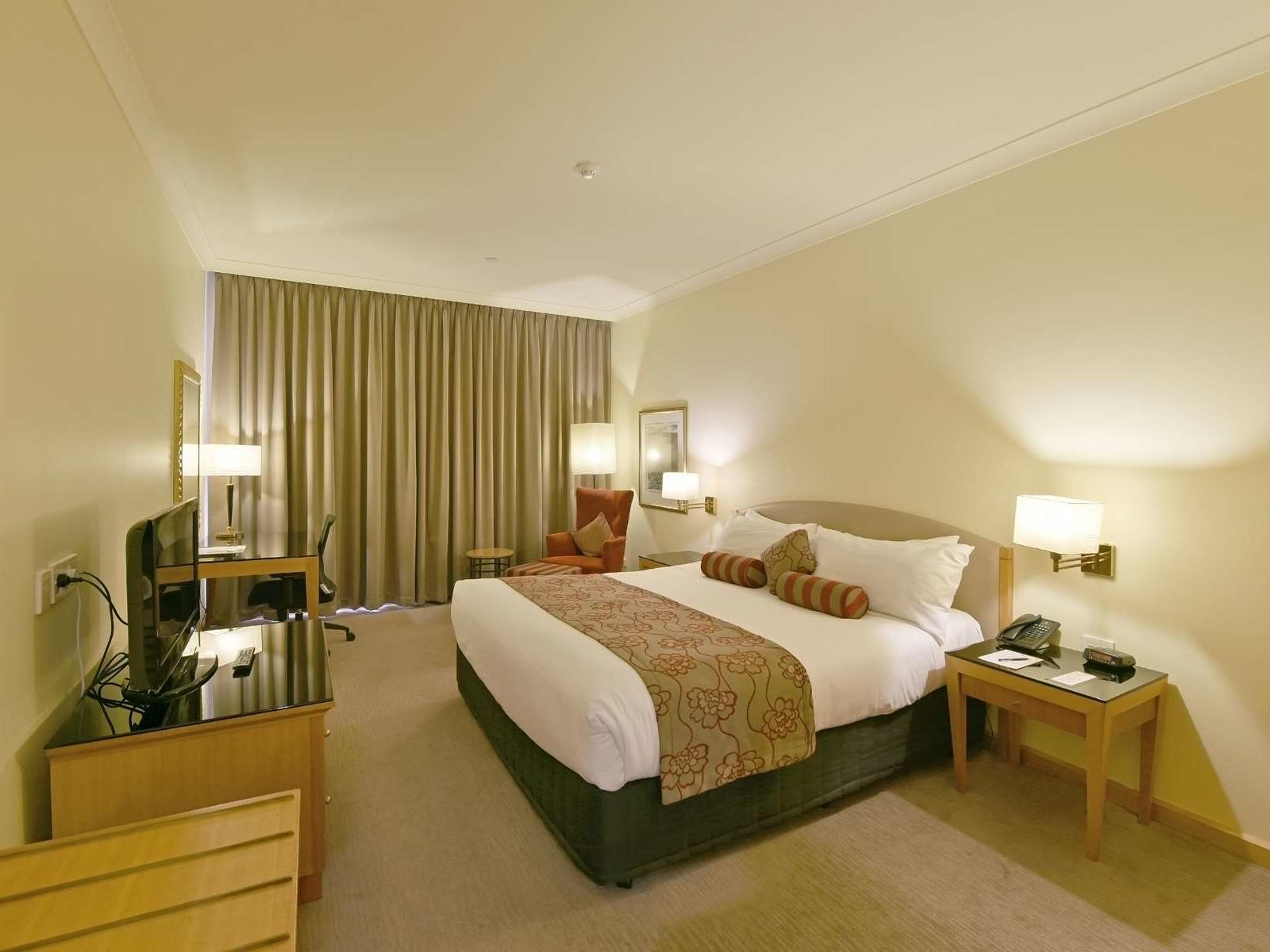 Deluxe King Room at Duxton Hotel Perth
