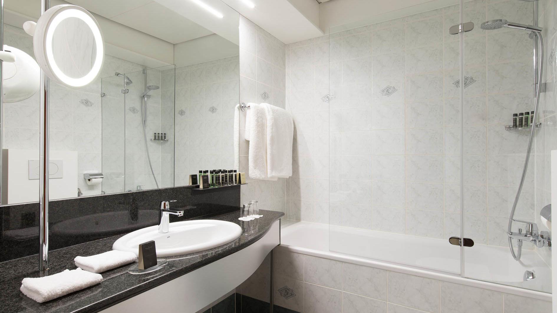 Double Room Castle View Bathroom at Grand Hotel Union in Ljubljana