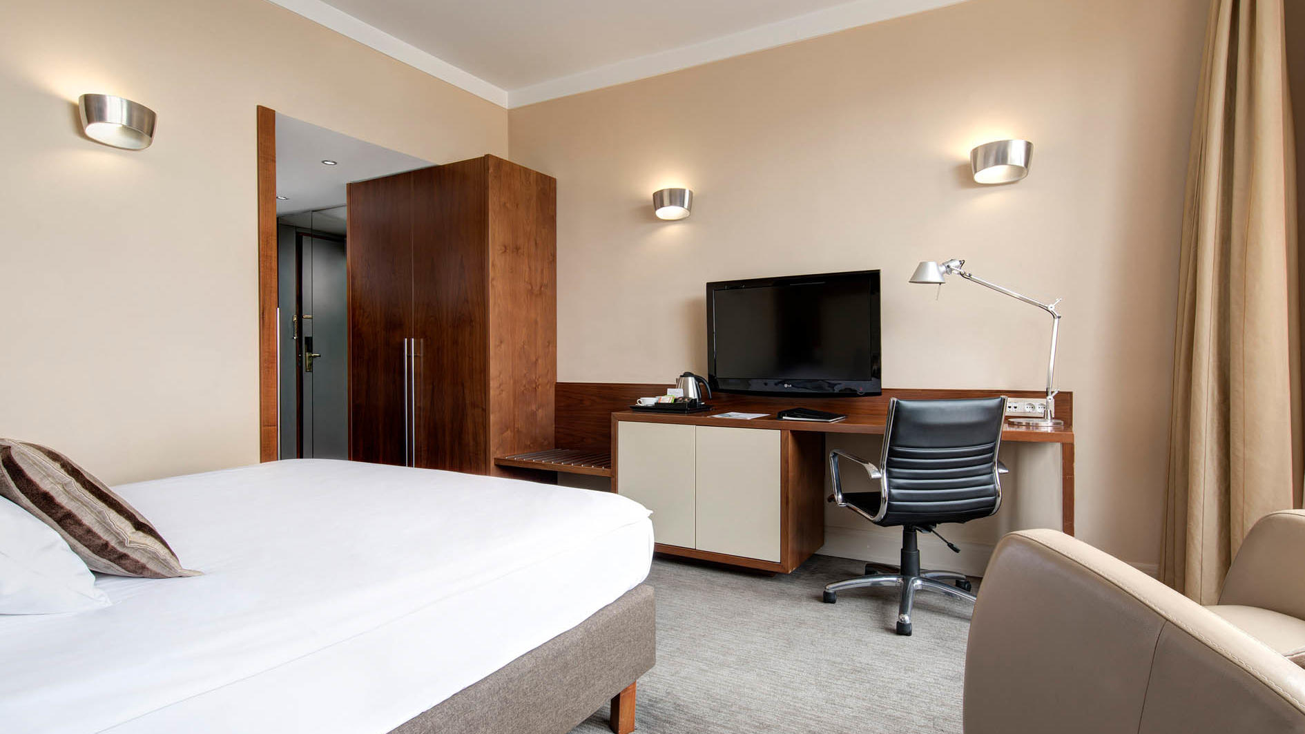 Executive Queen Room at UHotel in Ljubljana