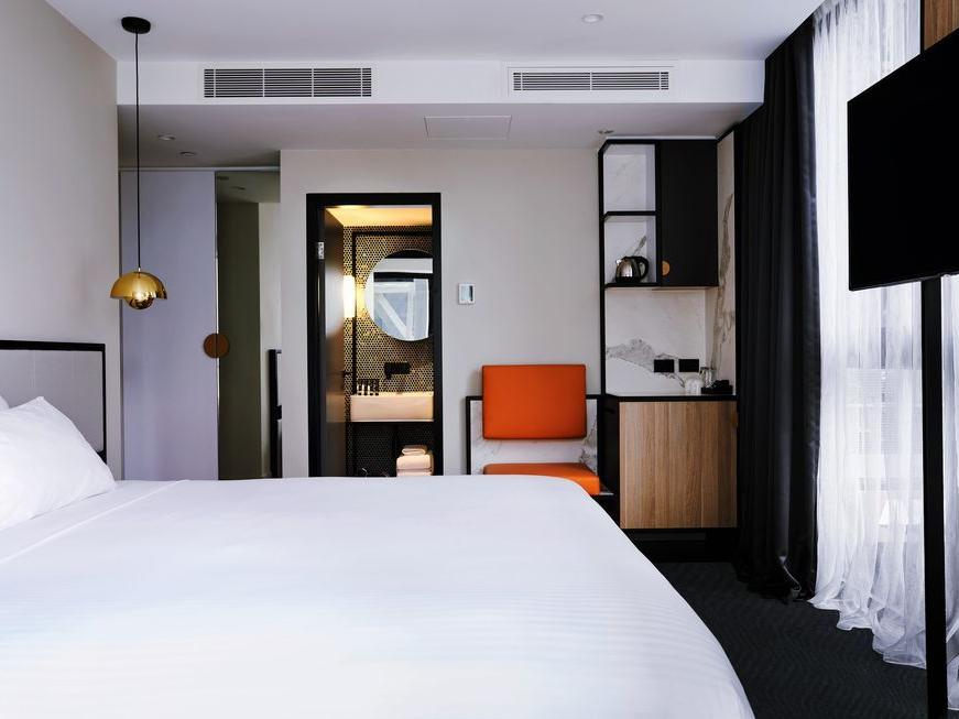King room at Brady Hotels Jones Lane