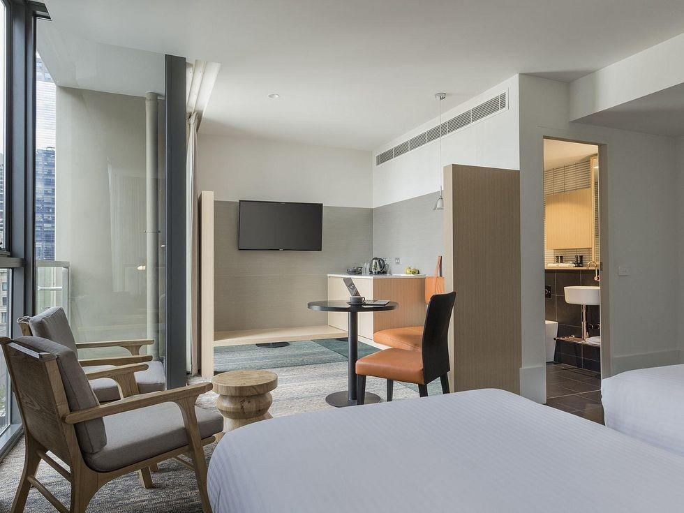 Twin room with bathroom at Brady Hotels Central Melbourne