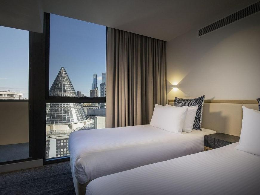 Twin room at Brady Hotels Central Melbourne
