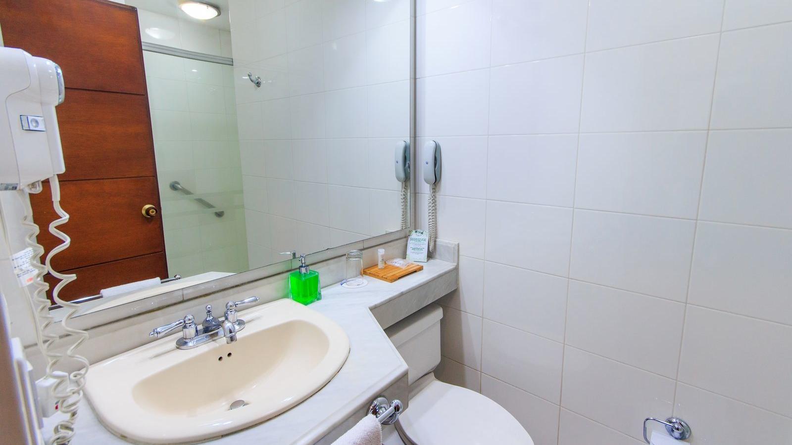 Baño Habitación Estándar King Boom