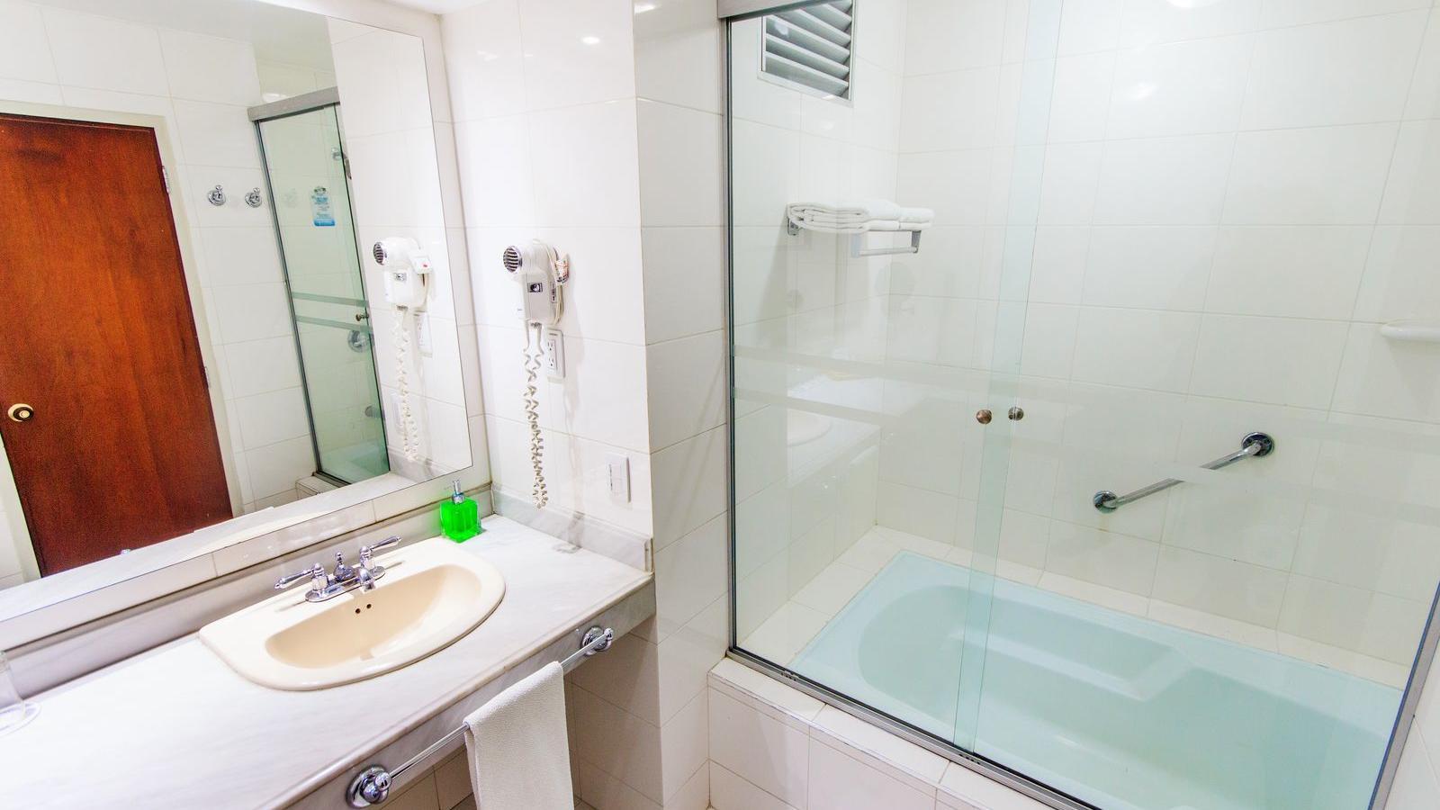 Baño Habitación Superior Wow
