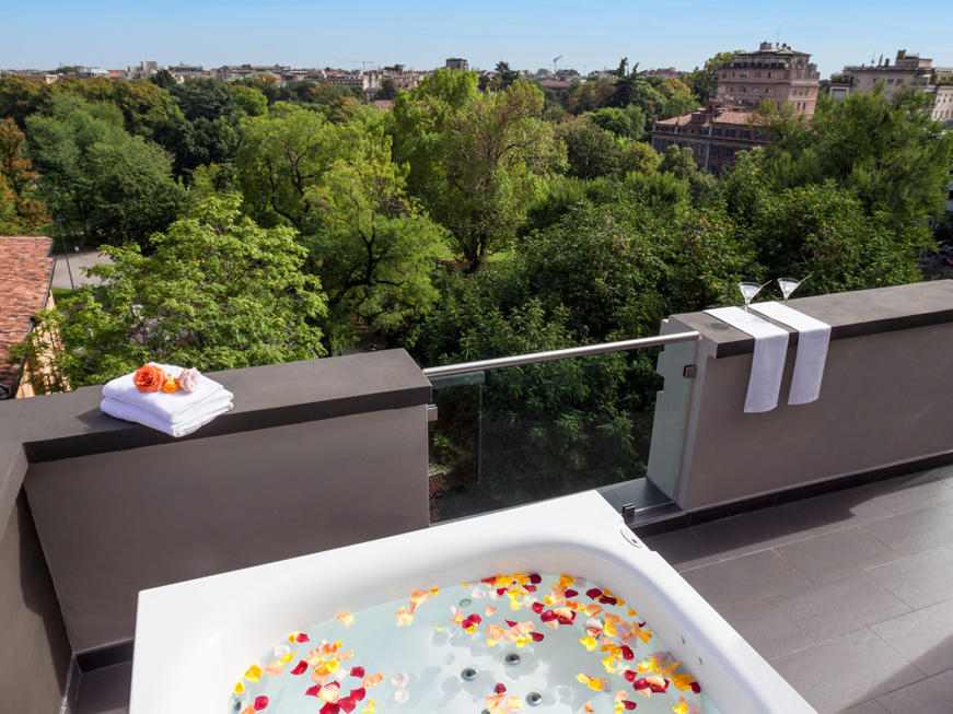 Panoramic Suite & Pool at Manin Hotel Milano