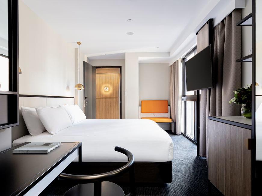 Brady Hotels Jones Lane - Business Room with desk