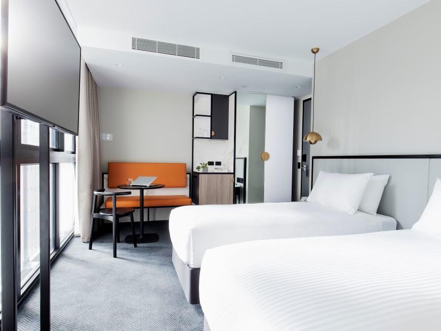 Brady Hotels Jones Lane -  twin room