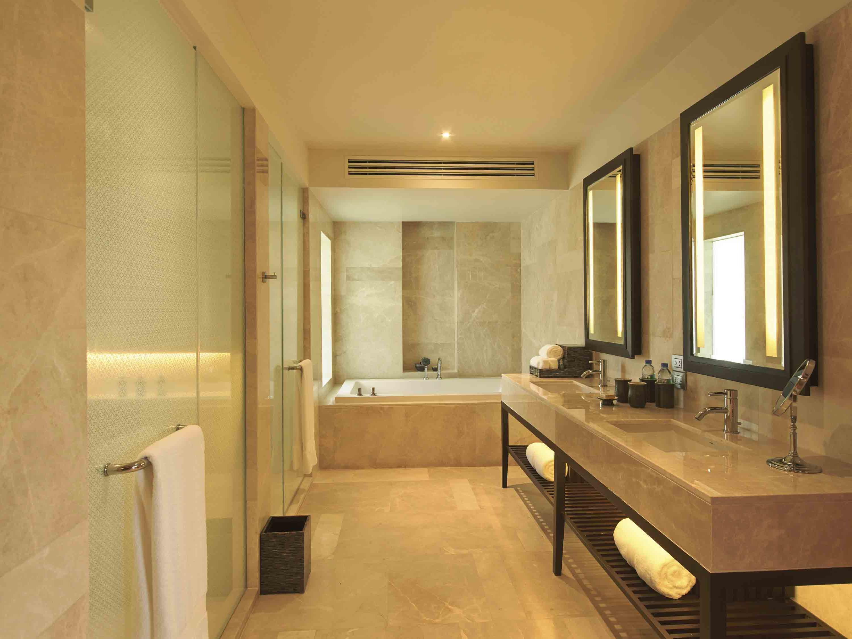 Amatara Wellness Resort Ocean Pavilion Bathroom