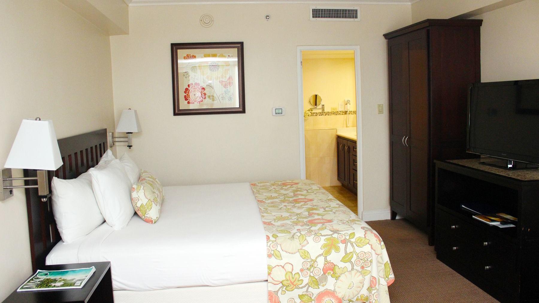 Royal Deluxe Suite Bedroom