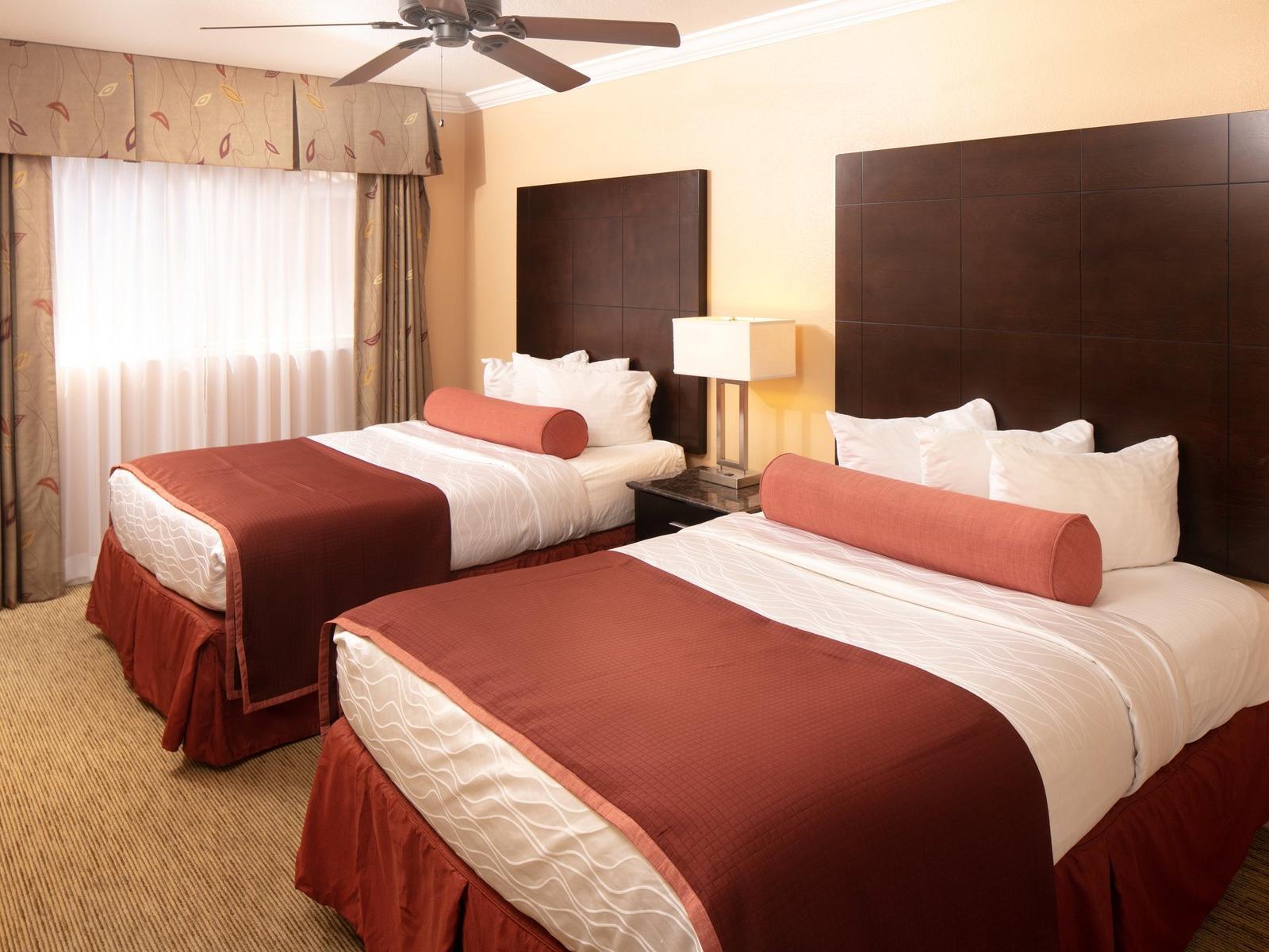 queen beds in hotel room
