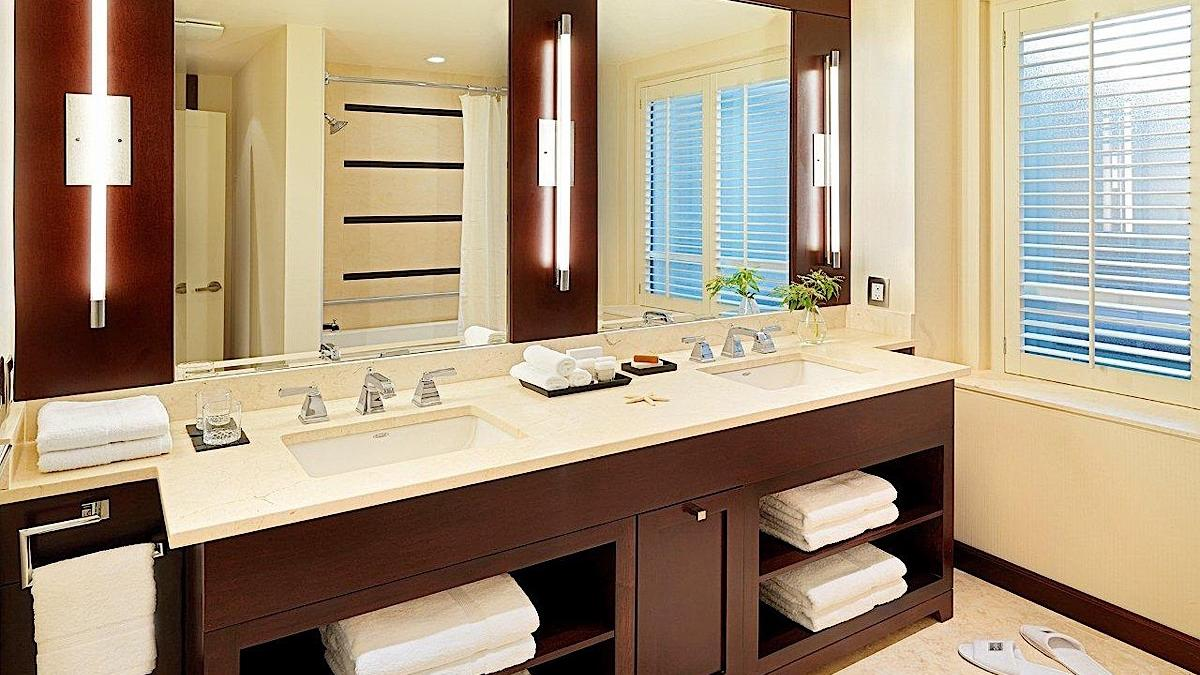 Executive Suite bathroom with dual sinks.