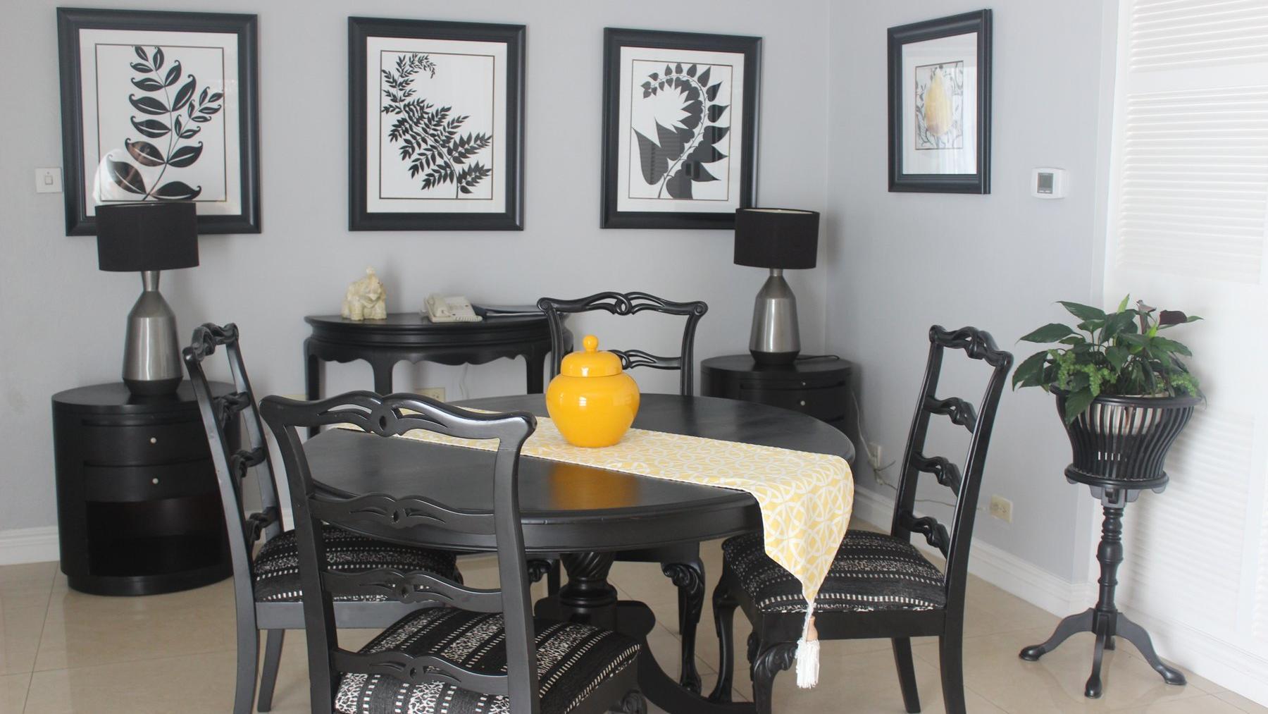 Lig Suite Dining Room