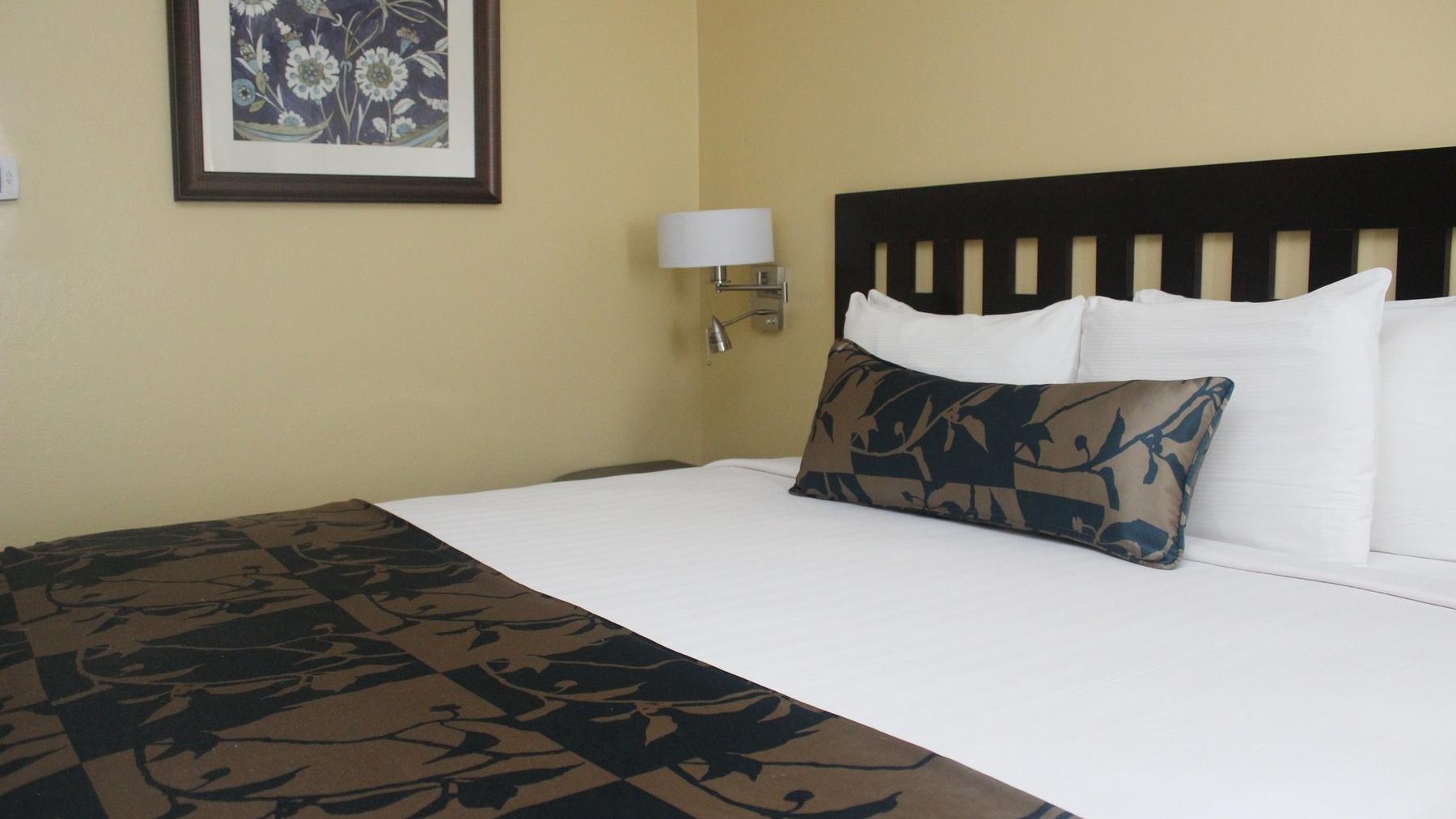 Trelawny Suite Room