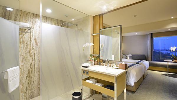 Bathroom of premium room