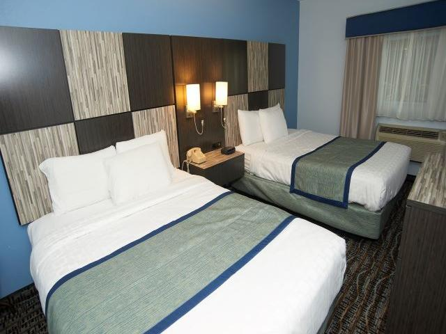 Two Queen Beds in Deluxe Suite