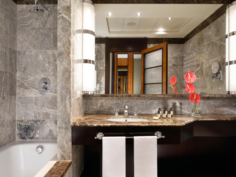 Suite Bathroom | Principi di Piemonte