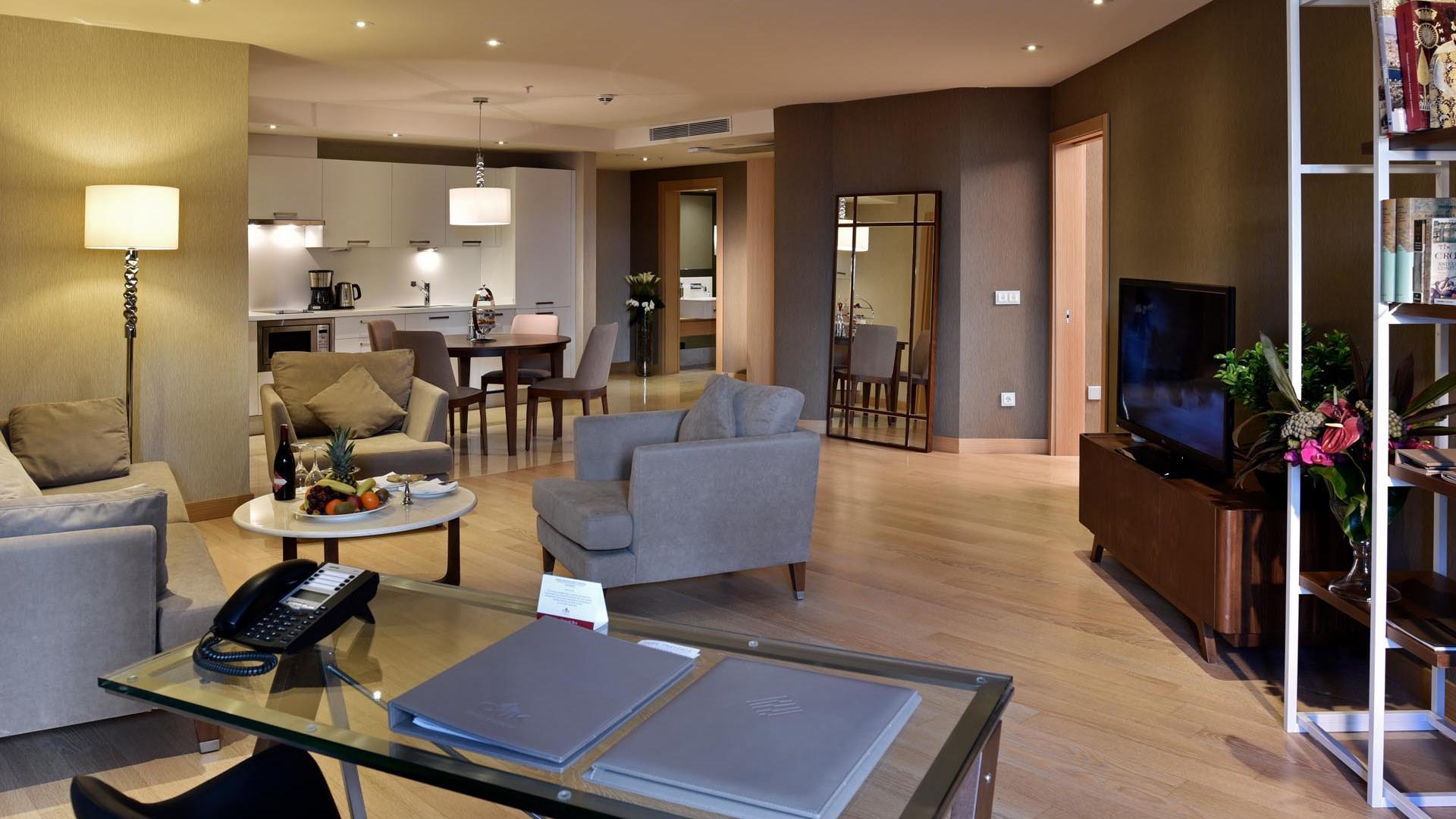 One Bedroom Suite resting area
