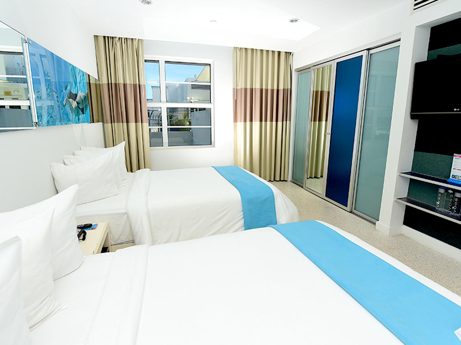 Double beds in Pool view double room at Clevelander South Beach