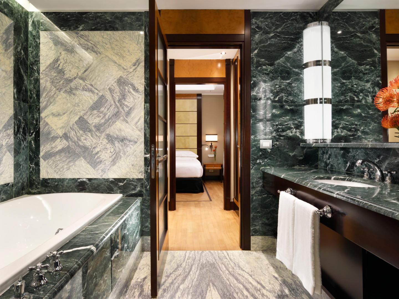 Bathroom Diplomatic Suite | Principi di Piemonte
