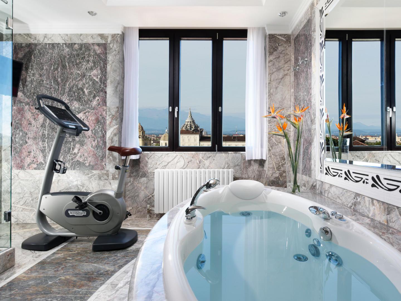 Bathroom Presidential Suite | Principi di Piemonte