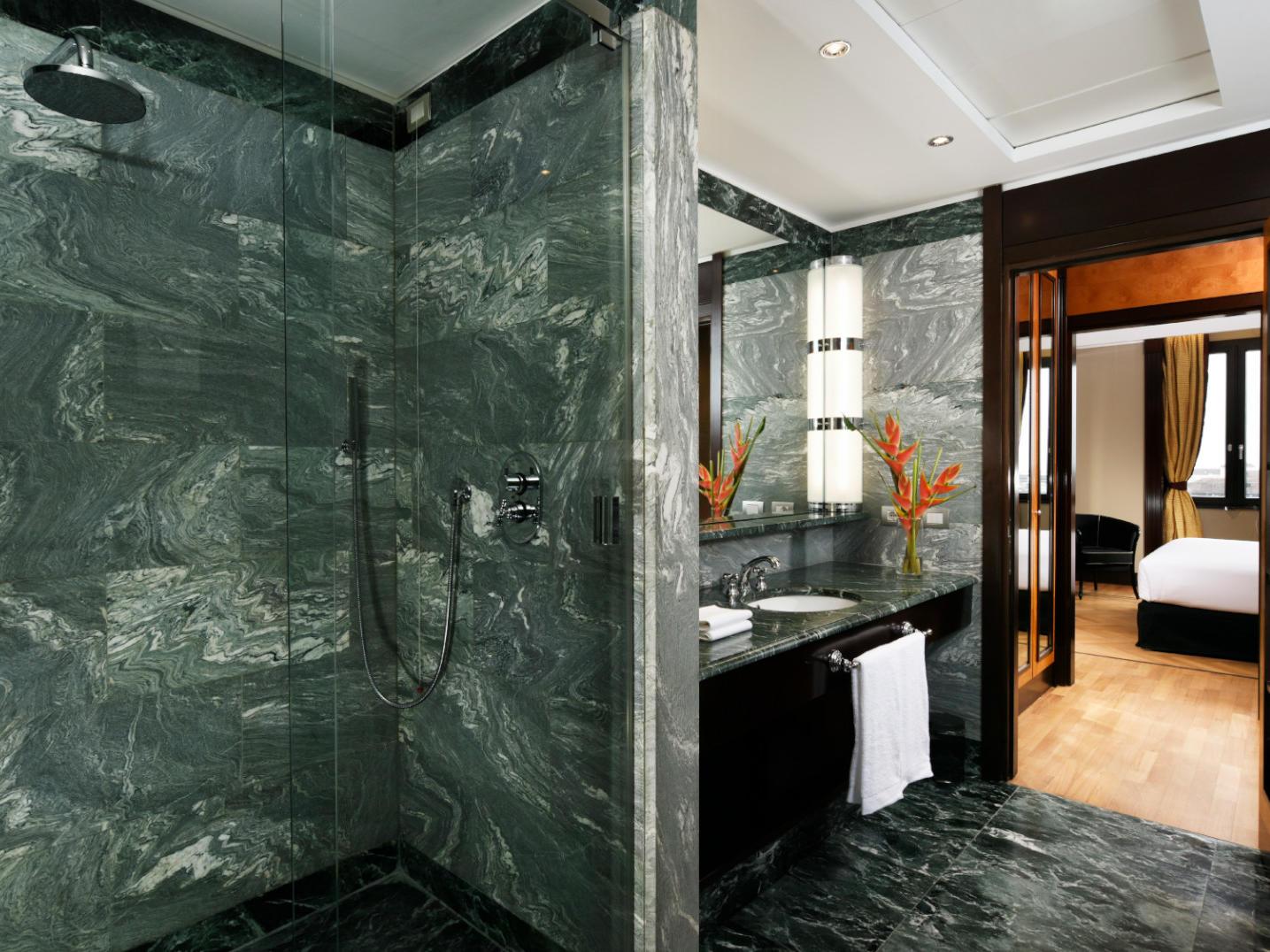 Bathroom Suite Executive