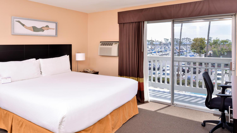 Deluxe King Harborview Room
