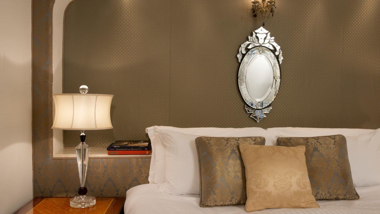 One-bedroom - Luxury One-Bedroom Bedding