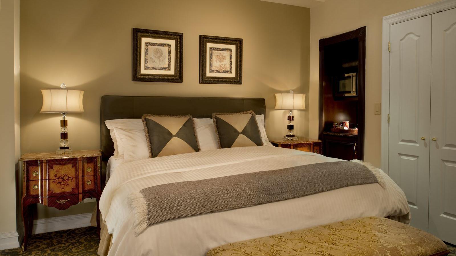 Guestroom King Bed