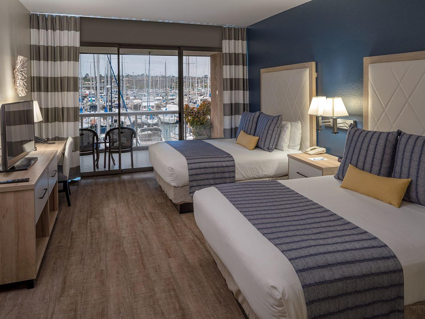 Ground Floor Marina View 2 Queens bedroom at Bay Club Hotel